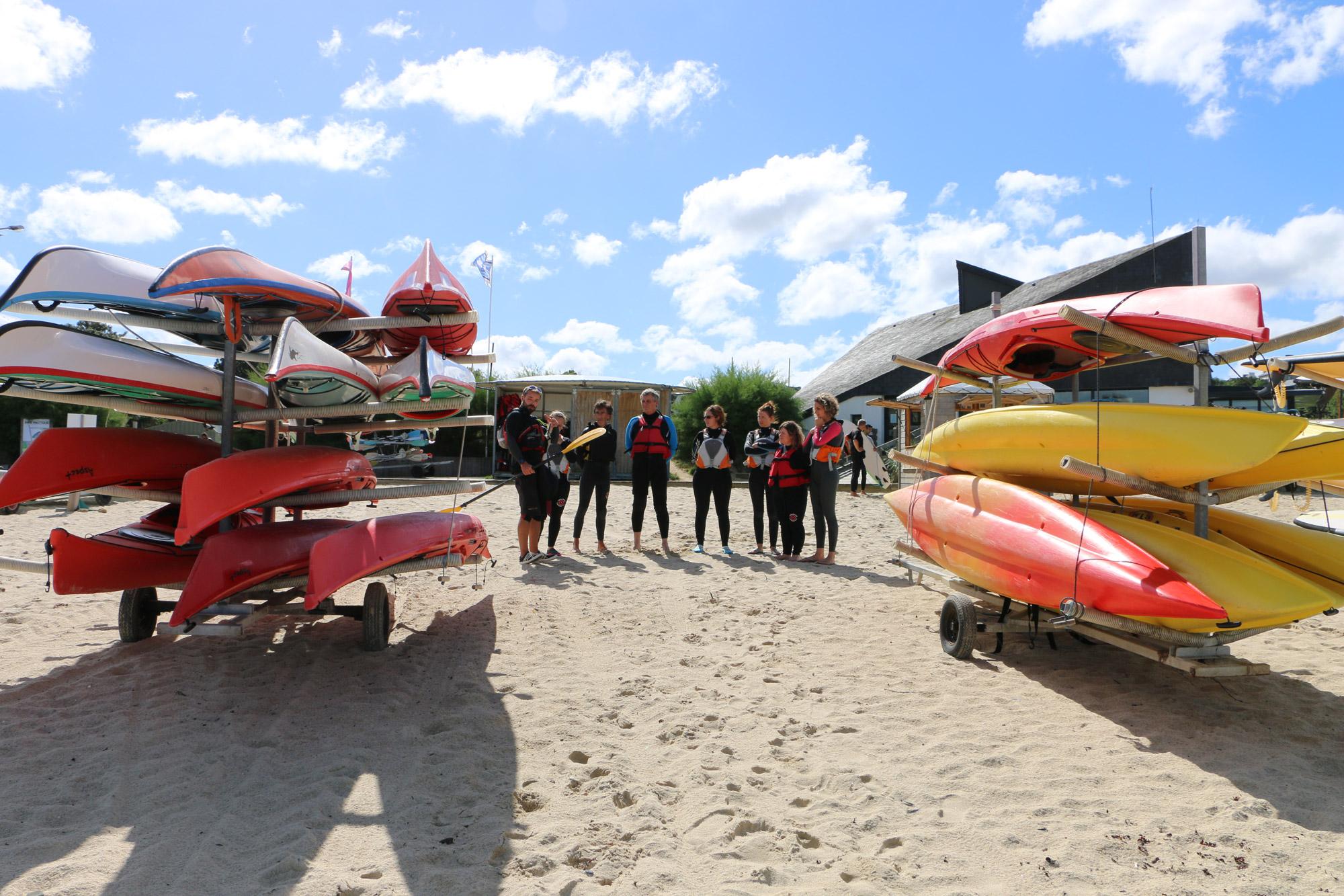 Groupe sur la plage du Kelenn - Acceuil et accompagnement sortie association, CE, groupe privé