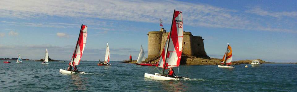 Stage de catamaran Topaz 12, enfant 10 à 12 ans - Chateau du Taureau en Baie de Morlaix